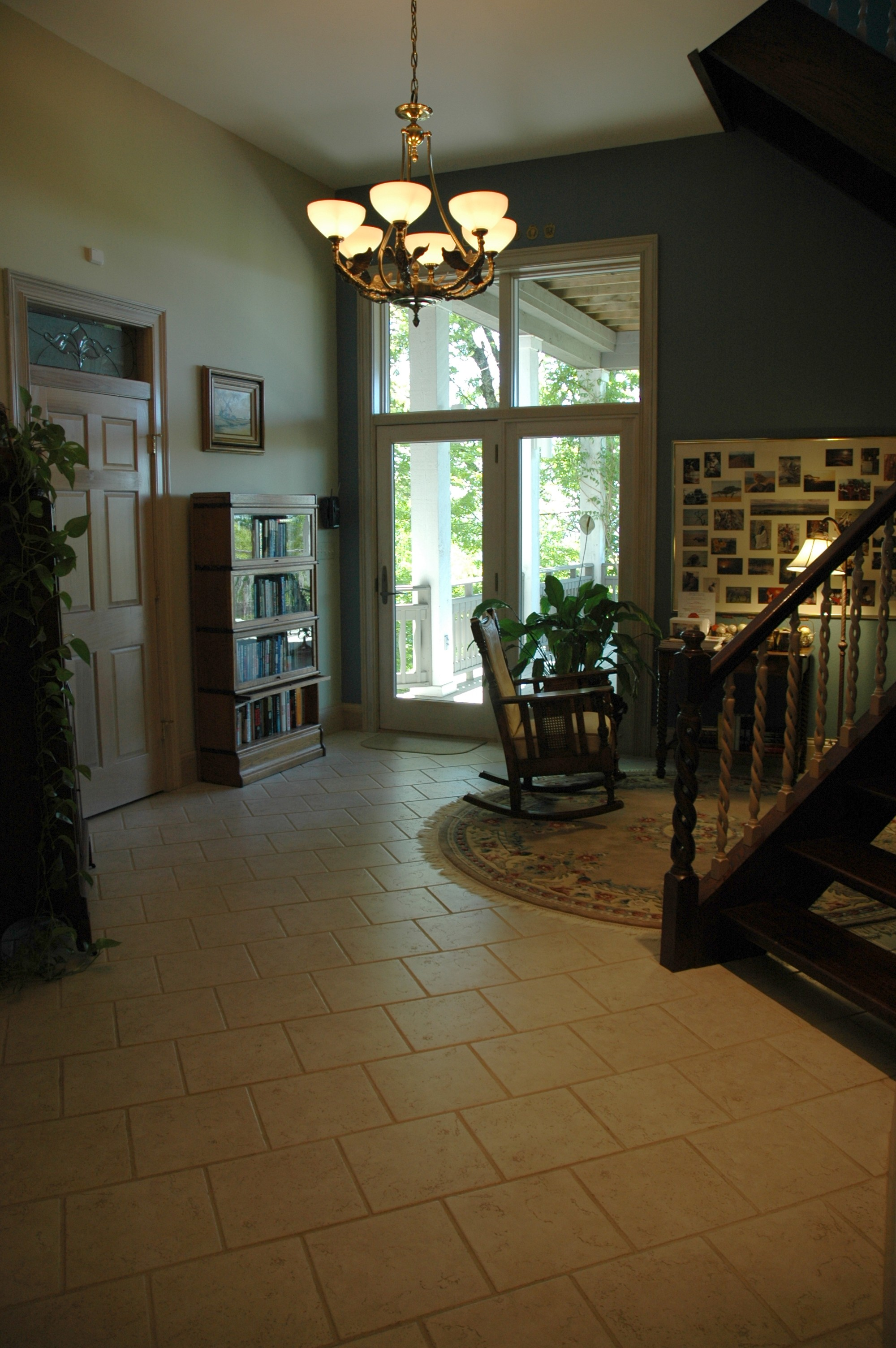 Mid Level Foyer outside of Spellbound, Key Largo and Casablanca Bedrooms
