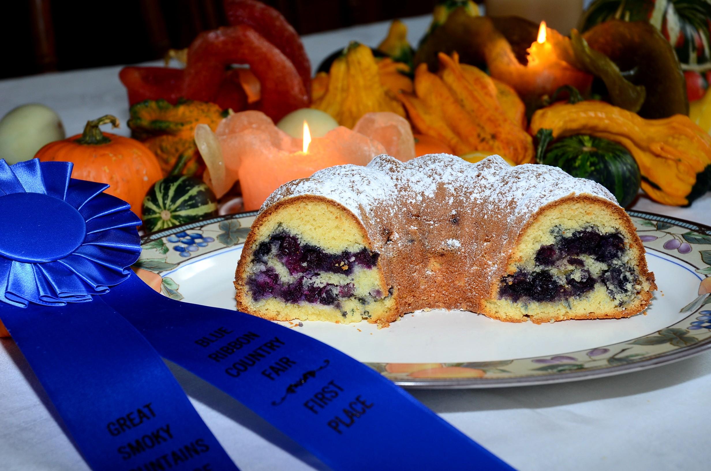 Blueberry Almond Sour Cream Coffee Cake